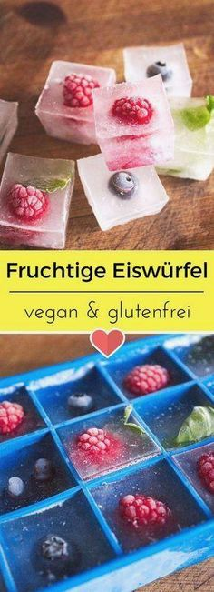 Fruity ice cubes - Fruchtige Eiswürfel The summer can come! Fruity ice cubes are the eye-catcher and provide a great aroma in your cold drink. Desserts Végétaliens, Birthday Desserts, Summer Desserts, Health Desserts, Dessert Recipes, Dessert Blog, Smoothie Recipes, Smoothies, Juice Recipes