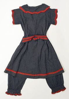 Bathing suit Date: 1900–1910 Culture: British Medium: cotton Dimensions: Length at CB (a): 37 in. (94 cm) Length (b): 31 1/2 in. (80 cm) Length (c): 27 3/4 in. (70.5 cm) The back with the drawers.