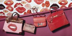 Hermès Birkin bags are going up for action at Christie's. Sac Birkin Hermes, Hermes Bags, Birkin Bags, Dior Star, Fendi Peekaboo Bag, Hermes Store, Spring Bags, Popular Bags, Best Bags