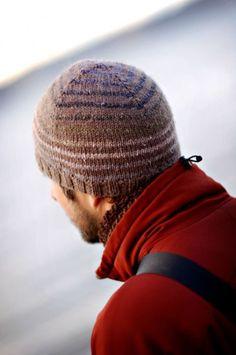 Free Knitting Pattern - Hats: Turn a Square