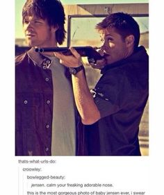 Supernatural fandom<<<<That's not where you hold a shotgun Jensen you're gonna blow your face off potentially Dean Winchester, Winchester Brothers, Chantal, Supernatural Destiel, 1967 Chevy Impala Supernatural, Def Not, Comic, Super Natural, Misha Collins