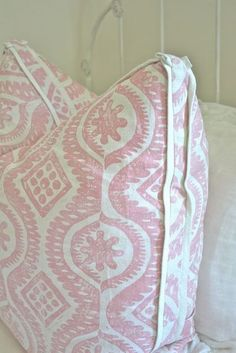 """gorgeous double 1/4"""" flange pillow detail -- need to learn how to make ..."""