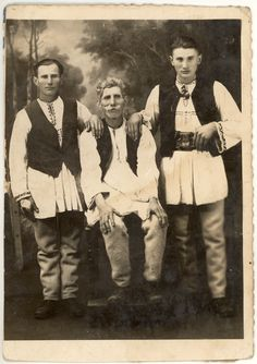 iIbănești, Mureș Transilvania Romania costum popular barbati