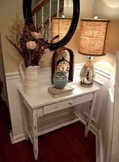 DIY Shabby Chic Foyer Table {Distressing Tutorial} love the decor....just mine in blue!
