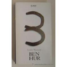 La trama básica se desarrolla entorno a la vida de Judá Ben-Hur, un coetáneo y compatriota del Nazareno. Pese a su amistad con el romano Messala, el antagonismo entre estos personajes y un desafortunado accidente llevan a la acaudalada familia de los Hur a la desgracia.