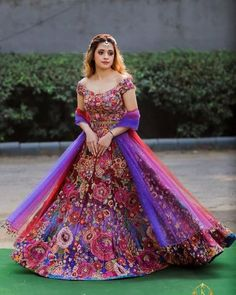 15 Amazing Mehendi Outfits We Have Spotted On Some Recent Brides Indian Gowns Dresses, Indian Fashion Dresses, Dress Indian Style, Indian Designer Outfits, Indian Bridal Lehenga, Indian Bridal Outfits, Indian Bridal Fashion, Wedding Dresses For Girls, Bridal Dresses