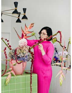 From am wake ups to installs, there's no such thing as an 'ordinary' day for this hardworking Melbourne florist! Exotic Flowers, Blue Flowers, Pink Roses, Beautiful Flowers, Tea Roses, Yellow Roses, Florist Melbourne, Karen Black, Peonies Garden