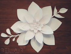 This listing includes one large paper dahlia flower measuring approximately 22 inches across. Perfect as wall art in your home, or in a wedding or party backdrop or as a decoration. Paper Flower Patterns, Paper Flowers Craft, Crepe Paper Flowers, Paper Flower Backdrop, Paper Flower Tutorial, Paper Roses, Flower Crafts, Giant Paper Flowers, Felt Flowers