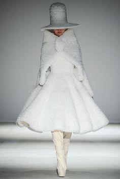 Gareth Pugh - Paris Fashion Week - Otoño Invierno 2014/2015 - Fashion Runway