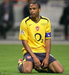 The history of the big six Premier League clubs' sponsors Football Poses, Football Players, Football Soccer, Arsenal Fc, Thierry Henry Arsenal, Nicolas Anelka, Manchester Derby, Eric Cantona, Big Six