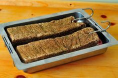 Vyrobte si domácu slaninku bez údenia (pancetta) » Prakticky.sk Food 52, Banana Bread, Food To Make, Food And Drink, Cooking Recipes, Sweets, Homemade, Meat, Baking