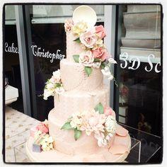 English garden inspire cake by Christopher Garren! Love the tea cup on top!