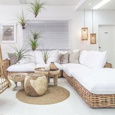 New living room lighting bohemian outdoor spaces ideas Ottoman Sofa, Rattan Sofa, Settee, Wicker Couch, New Living Room, Home And Living, Natural Living Rooms, Coastal Living, Beach Living Room
