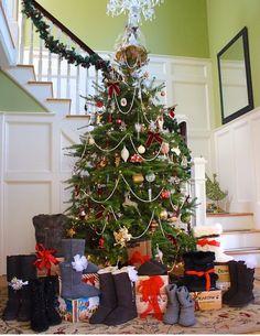 BEARPAW CHRISTMAS