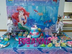 Little mermaid table set up & Little Mermaid Centerpieces Balloon decor | Balloon Centerpieces ...