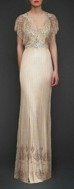 Pale pink wedding dress with bead work by Jenny Packham posted on Community Post: 25 Dazzling Art Deco Wedding Gowns Vintage Dresses, Vintage Outfits, Vintage Fashion, Victorian Fashion, French Fashion, Beautiful Gowns, Beautiful Outfits, Gorgeous Dress, Looks Vintage