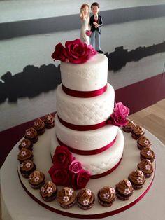 Tarta de boda, muy elegante y delicada