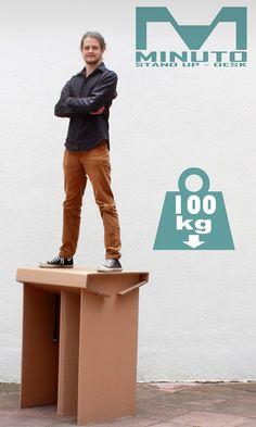 Escritorio liviano, resistente y ecológico diseñado para trabajar parado, elaborado 100% a base de cartón corrugado. Ganador del VII Premio de diseño Promesas México. Medidas: 80cm x 110cm x 60cm largo x altura x profundidad https://www.kichink.com/buy/672381/aktiastore/minuto-stand-up-desk#.VZRNG_l_Oko