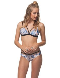 Tropical oasis fixed triangle bikini top - Chase the sun year-round in this bikini that is sure to bring you right back to sunny summer days. This fixed triangle microfiber bikini top features an all-over tropical print and a front v-strap detail.