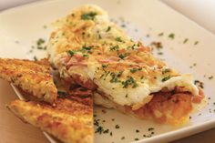 A delicious omelette that is lower in saturated fat. Serve with 1 slice of low GI multigrain bread for a nutritious breakfast or light lunch/dinner. Ham And Cheese Omelette, Nutritious Breakfast, Multigrain, Saturated Fat, Lose Weight, Lunch, Bread, Dinner, Vegetables