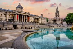 The National Gallery, where visitors can gaze at Renaissance masterpieces as well as glori... Trafalgar Square, Hotel Des Invalides, Paris Itinerary, England National, Tower Of London, London Travel, Walking Tour, Staycation, Cool Places To Visit