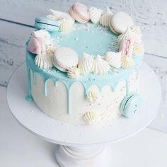 Мятный тортик на детский день рождения Внутри медовик со сливочно-апельсиновым кремом Вес:3,3кг.