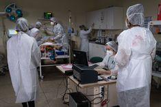 Tímy Lekárov bez hraníc videli v Brazílii na vlastné oči zomierať pacientov, ktorí by mohli prežiť - Akčné ženy Urgent Care, Fashion, Moda, Fashion Styles, Fashion Illustrations
