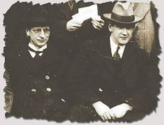 Éamon de Valera and Michael Collins Michael Collins, Ireland 1916, Irish News, Gifts For Photographers, Historical Quotes, Photo Checks, Best Memories, How To Look Pretty, Winston Churchill