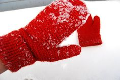Ravelry: winter mittens pattern by maria carlander Crochet Mittens, Mittens Pattern, Fingerless Mittens, Knit Crochet, Crochet Wrist Warmers, Yarn Projects, Crochet Clothes, Homemade, Crafty