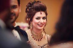Bridal Wear - Just Gorgeous! Photos, Hindu Culture, Beige Color, Hairstyle, Reception Makeup, Antique Jewellery pictures, images, WeddingPlz