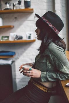 Hat + button-down + belt.