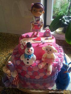 Bolo de aniversário da Doutora Brinquedos - Doc McStuffins birthday cake