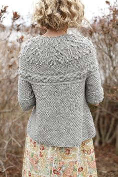 Knitting and Crochet techniques from the Berroco Design Team - trachtenjacke sitricken Poncho, Knit Cardigan, Grey Cardigan, Cardigan Pattern, Cable Sweater, Sweater Skirt, Gray Sweater, Hand Knitting, Knitting Patterns
