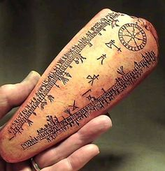 ANCIENT VIKING RUNE STONE LUNAR CALENDAR 1000 AD Norway