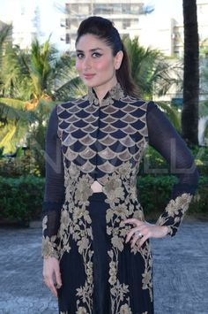 Kareena Kapoor Khan launched the women's safety app 'VithU' in Mumbai today. This is an initiative of Star network in association with Channel V. Red Long Sleeve Dress, Deep V Neck Dress, Kareena Kapoor Hairstyles, Anarkali Frock, Lehenga, Saree, Velvet Dress Designs, Kareena Kapoor Khan, Bollywood Celebrities