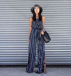 This maxi dress with center slit gives us all the feels. @linhniller