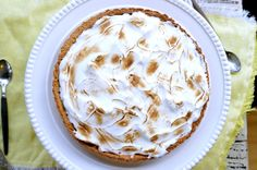 This sugar free lemon pie is an easy, delicious and simple diabetic recipes.