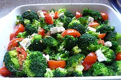 Broccoli and tomato feta casserole, a delicious recipe from the category of gratin . - Broccoli and tomato feta casserole, a delicious recipe from the category of gratinating. Vegetarian Recipes For One, Vegetable Recipes For Kids, Healthy Dinner Recipes, Queso Feta, Grilling Recipes, Yummy Food, Broccoli Casserole, Broccoli Salad, Vegetarian