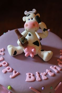 *SORRY, no information given as to product used ~ Cow figure by Andrea's SweetCakes, via Flickr