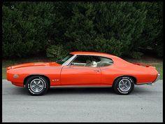 1969 Pontiac GTO Judge 2-Door Hardtop 400/370 HP, 4-Speed presented as lot S220 at Houston, TX 2012 - image1