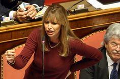 Mussolinis Familie ist bis heute einflussreich in der italienischen Politik:...