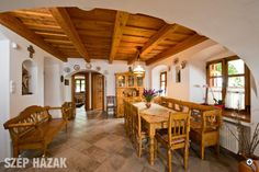 Falu végén - Szép Házak Chalet Interior, Interior Design, Old World Kitchens, Earth Bag Homes, Oak Frame House, Simply Home, Condo Living, Village Houses, Cozy Cottage