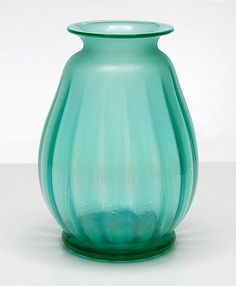 Green Manuvarium vase with crackle and lustre design W.J.Rozendaal ca.1935 executed by Kristalunie Maastricht / the Netherlands