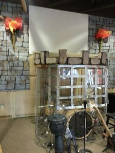 Cool idea to camouflage the drum kit.