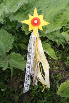Sun Wand Summer Solstice. This would be a fun craft to make with Lyric for Midsummer!