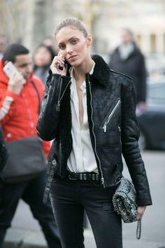 Anja Rubik in Paris Anja Rubik, Aviator Jackets, Model Street Style, Models Off Duty, Model Pictures, Street Chic, Street Snap, Female Models, Women Models