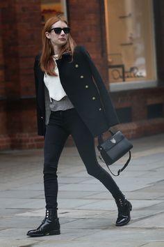 Street style celebrites sacs stars mode Emma Roberts