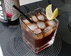 Drinki na Halloween: Trucizna wdowy Container Plants, Panna Cotta, Alcoholic Drinks, Recipies, Good Food, Food And Drink, Pudding, Ethnic Recipes, Impreza
