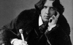 """Un aforisma al giorno... Oscar Wilde ...Aforismi sono estratti dal libro """"Aforismi di Oscar Wilde"""" Ed. Giunti Demetra. ..Ve lo consiglio. Leggere un aforisma al giorno rende la giornata insolita. Di sicuro, un'abitudine diversa dalle #oscarwilde #aforismi #opera #poesia"""