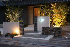 シックで高級感あふれる門まわり 庭照明